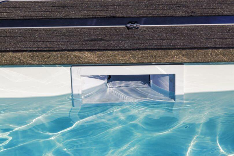 Niveau d'eau dans la piscine