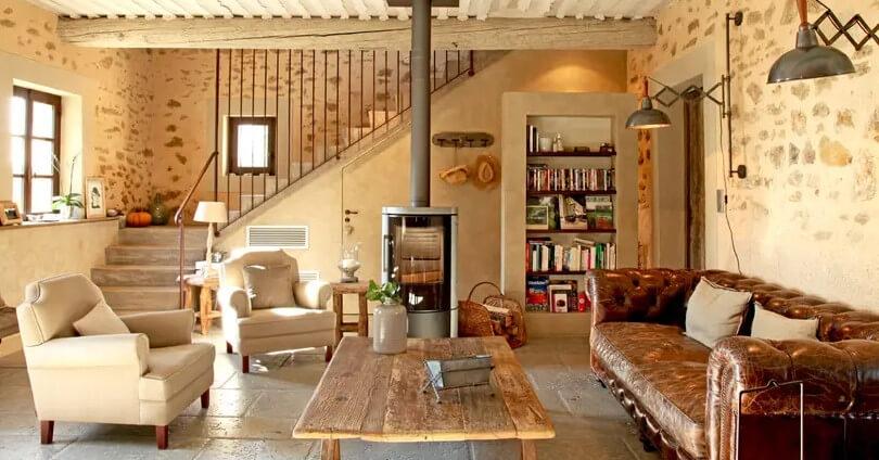 Salon rustique avec poêle à bois